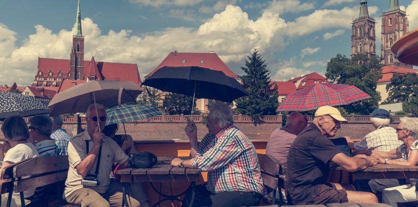Омск вошел в ТОП-3 рейтинга российских регионов по доле путешествующих пенсионеров